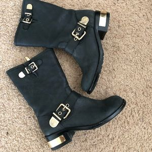 Vince Camuto — Winchell boot!